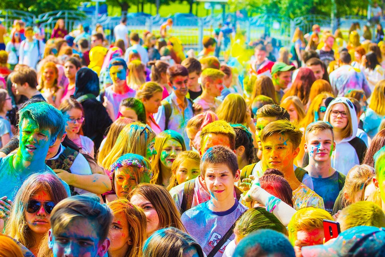 Hundreds go on a colorful run through downtown Las Vegas