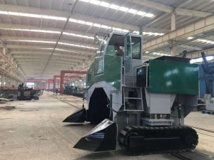 Industrial windrow compost turner